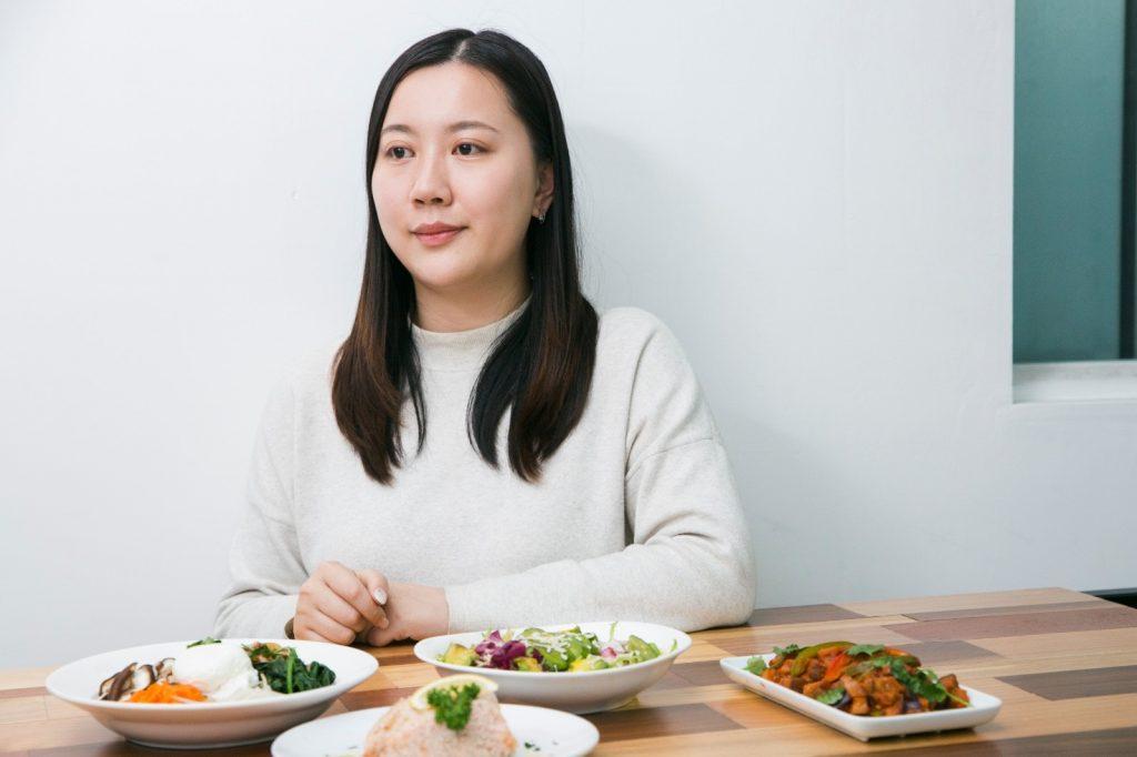 Cherry是 Eatology 的營養師,公司的食譜都由她設計。
